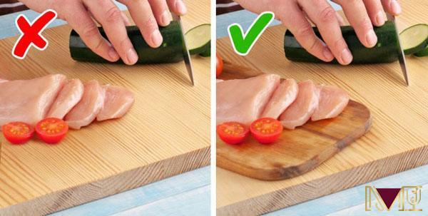 Sử dụng các công cụ chế biến riêng biệt cho thực phẩm chín và thực phẩm sống